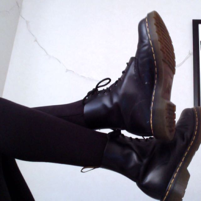 Black Dr. Martens boots (smooth)