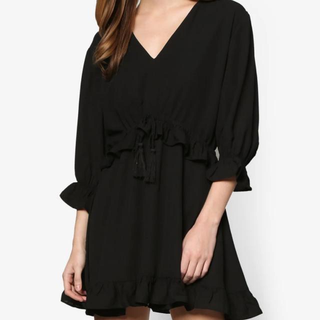 Black Drawstring Ruffle Dress (Zalora)