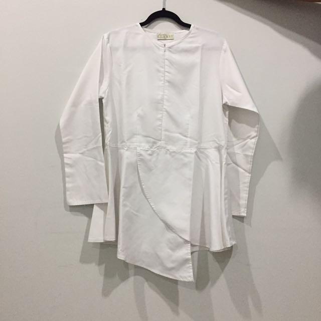 Blus Putih Merk Wearingklamby