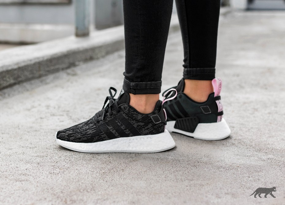 sports shoes 90279 9b6c3 BN Authentic Adidas Original NMD R2 Wonder Pink/ Core Black ...