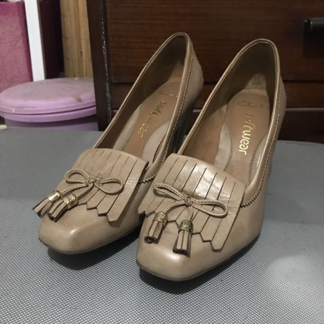 Clarks Softwear Tassel Nude Pumps