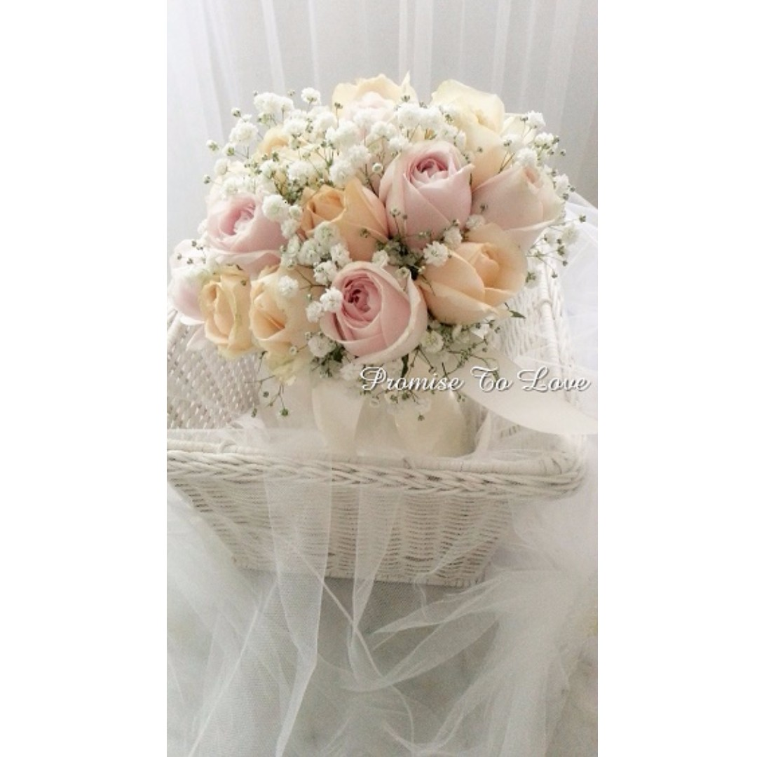 Fresh Light Pink Roses Champagne Roses Babys Breath Bouquet