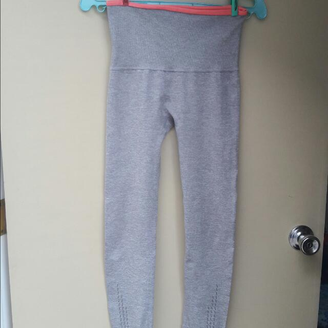 Gray Leggings Size Medium Php 150