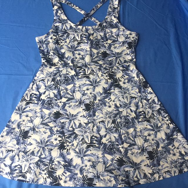 H&m Blue Floral Tropical Dress Large