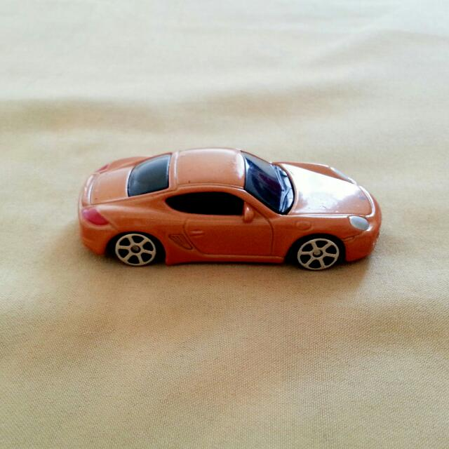 Maisto Porsche Cayman S Miniature Toy Car