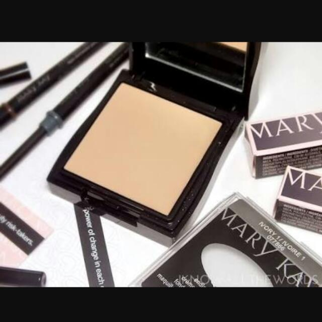 Mary Kay Mini Compact Unfilled