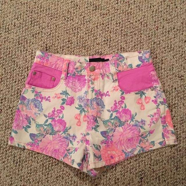 Mink Pink Highwasted Shorts