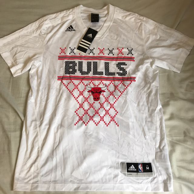New NBA Adidas Chicago Bulls Christmas Shooting Tee M
