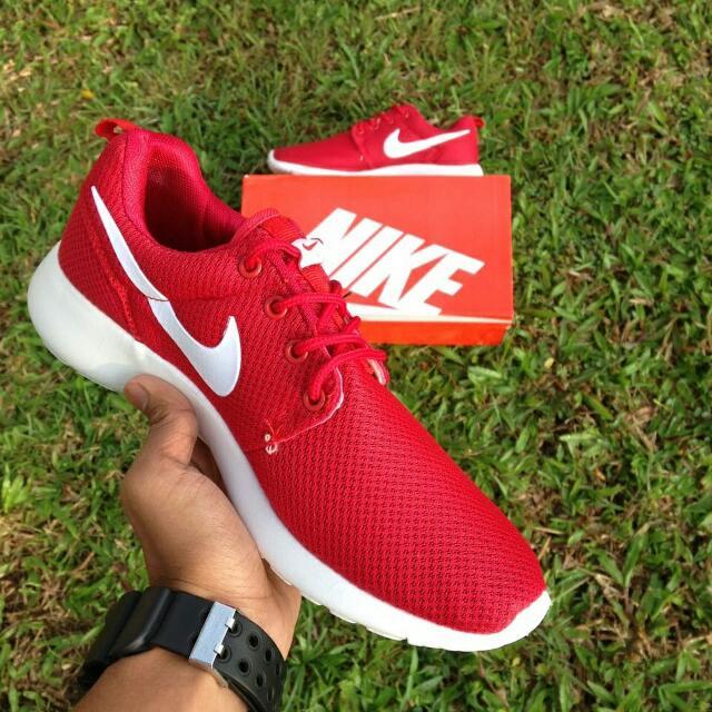 3b5cb5ee2b45 Nike roshe red white Gred 3A Rm60 Saiz 40