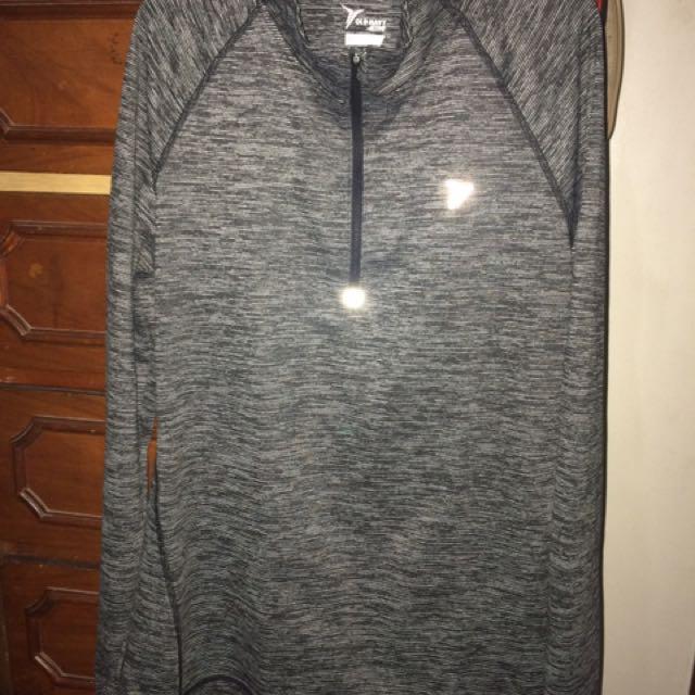Old navy sweat shirt