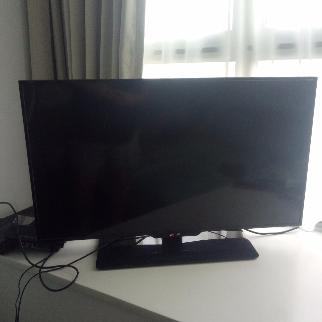 """Perfect condition! Philips 40"""" HDTV with FREE Android TV"""