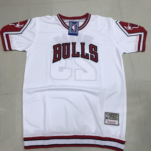 PO  NBA Chicago Bulls Michael Jordan Vintage Warm Up Sleeve Jersey ... 14c7a4aca