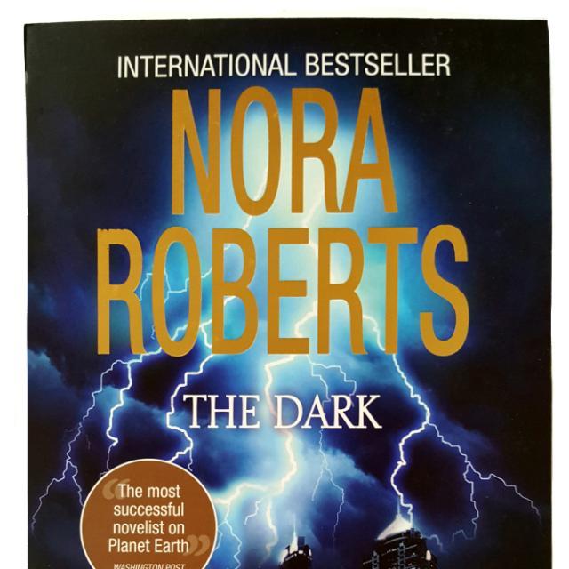 Preloved books: NORA ROBERTS (THE DARK)