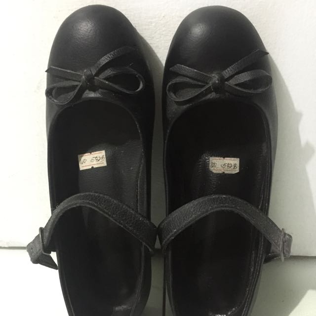 Pure Leather Black Shoes Size 6