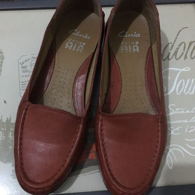 Red Shoes Clarks Air