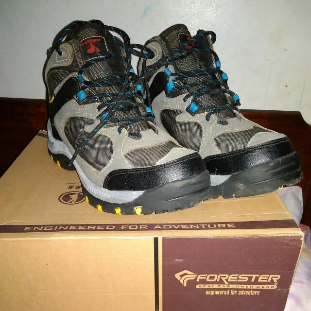 Sepatu Gunung Forester (Like New!) 🏞️