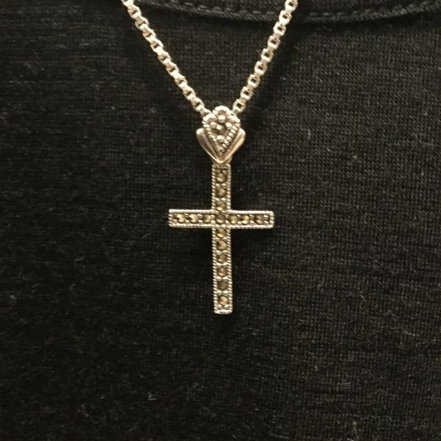Sterling Silver Cross Pendant With Rhinstone