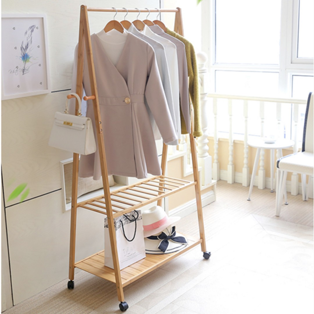 Simple and Neat Bamboo Movable Clothing Hanger