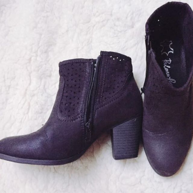 (size - nz7) Ankle boots