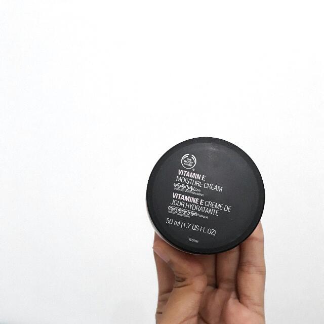 The Body Shop - Vit. E Moisture Cream