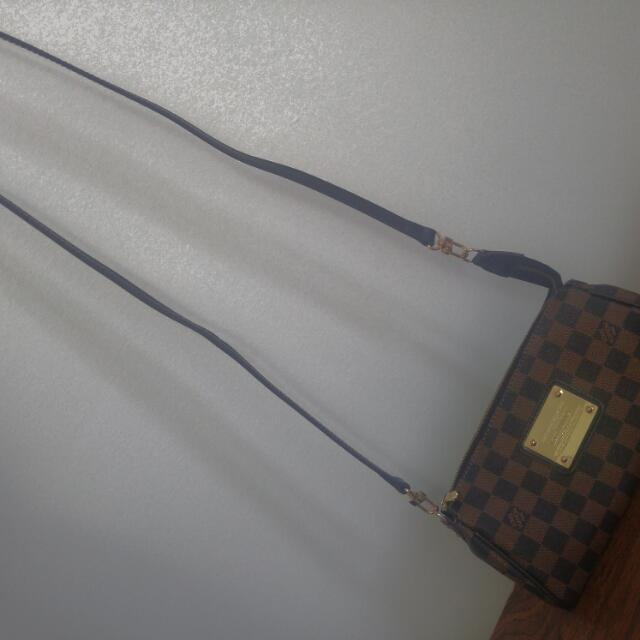Used Louis Vuitton Eva clutch Damier Ebene