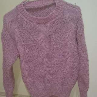 針織粉色上衣