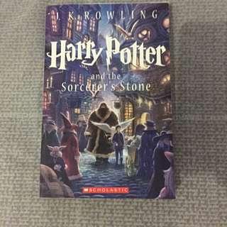 Harry Potter And The Sorcerer Stones (Buku ke-1)