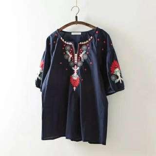 日本_精美民族風刺繡深藍色五分袖上衣