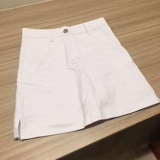 🚚 白色短裙