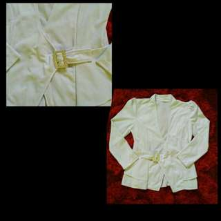 blazer bahan wedges putih