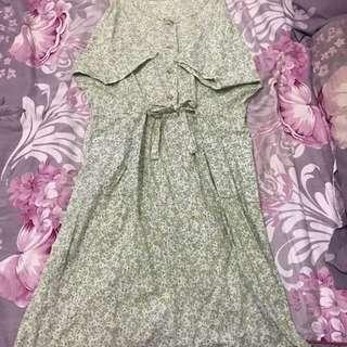 粉綠色花朵洋裝