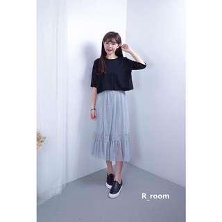 黑色素面短t + 紗裙
