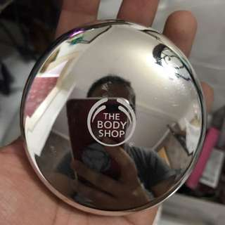 The Body Shop All In One Face Base Pressed Powder Foundation