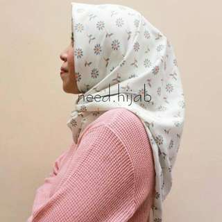 Hijab Square Motif Bahan Hermes