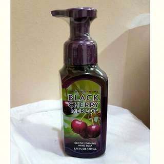 Bath & Body Works Black Cherry Merlot foaming hand wash
