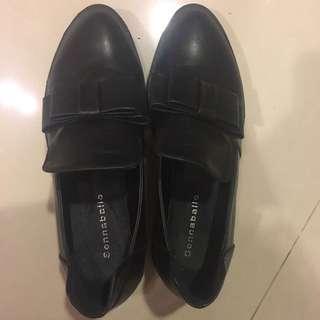 黑色尖頭蝴蝶結低跟淑女紳士皮鞋