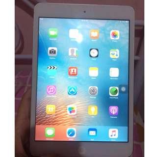 iPad Mini (Wifi ONLY! 16GB)