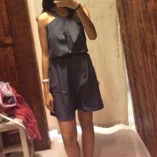 xsml grey jumpsuit // jumpsuit gray abu - abu