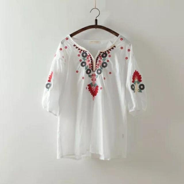 日本_精美民族風刺繡白色五分袖插肩上衣