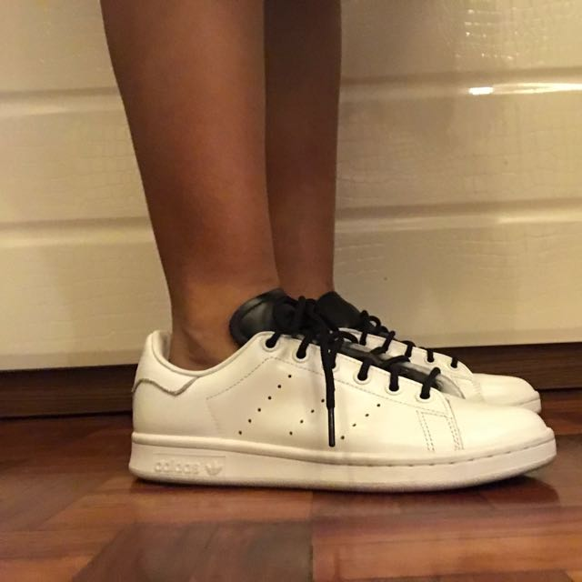 adidas originali stan smith (bianco, nero, preloved lingua)