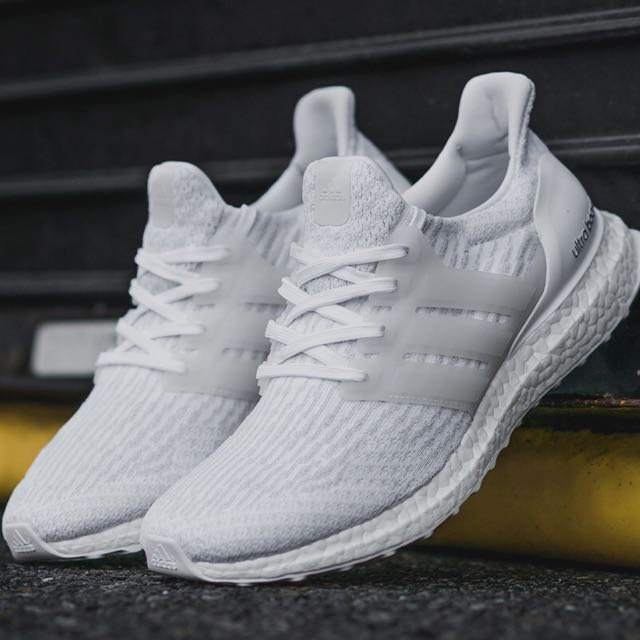 Agotamiento es suficiente Especialista  Adidas ultra Boost V3, Sports, Sports Apparel on Carousell