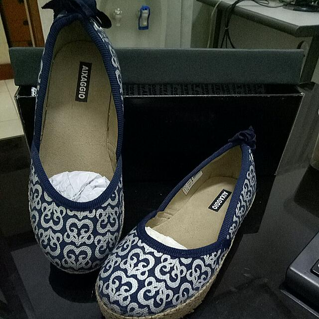 Aixaggio Navy Ribbon Shoes