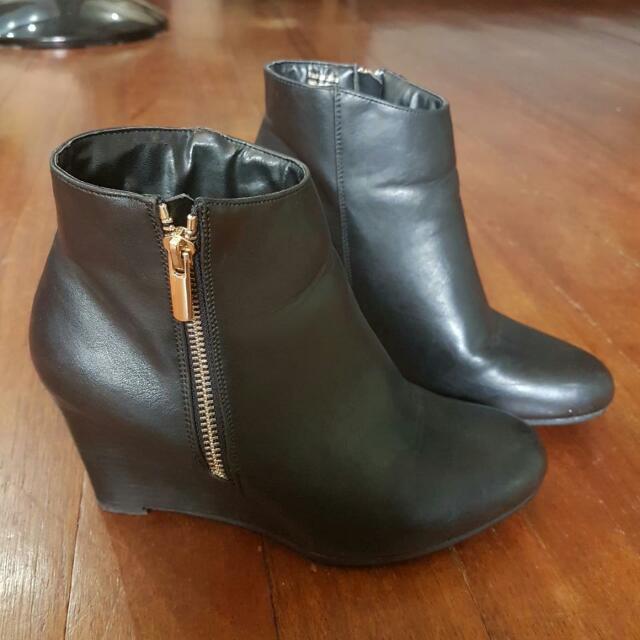 Black Aldo Leather Boots