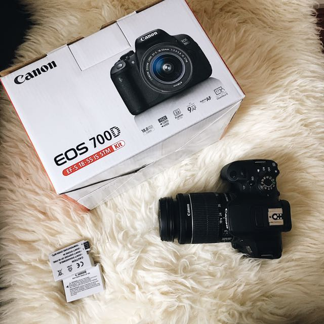 Canon 700D WITH 18-55MM KIT LENS