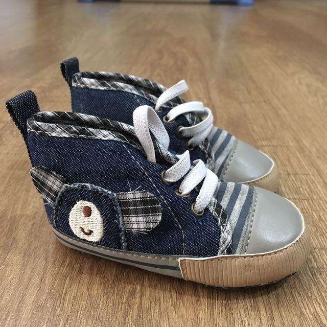 Carter Baby pre-walker Shoes