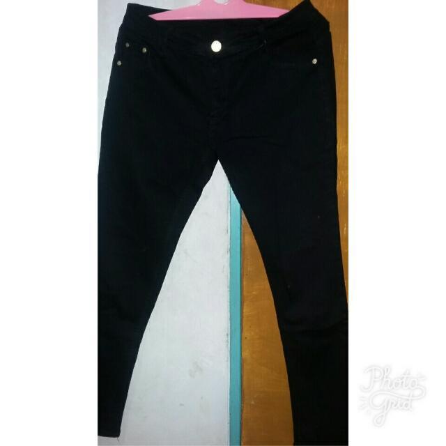 Celana Jeans Channel Hitam