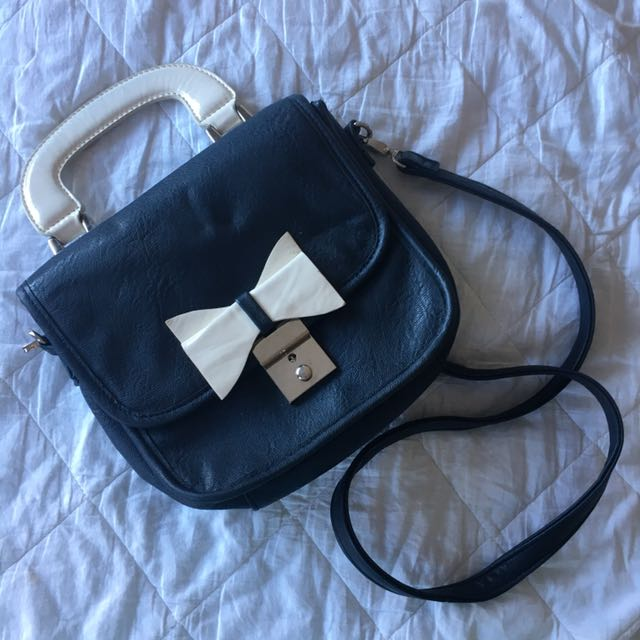 Cross Over Bag / Purse With Bow
