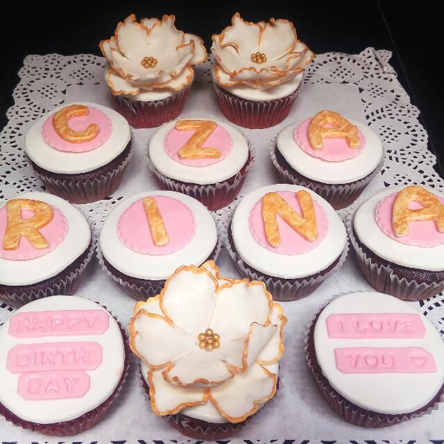 Customized Cupcakes with Edible Sugar Toppers
