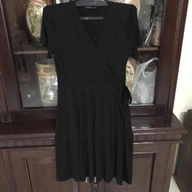 Dress Hitam Merk Dorothy Perkins
