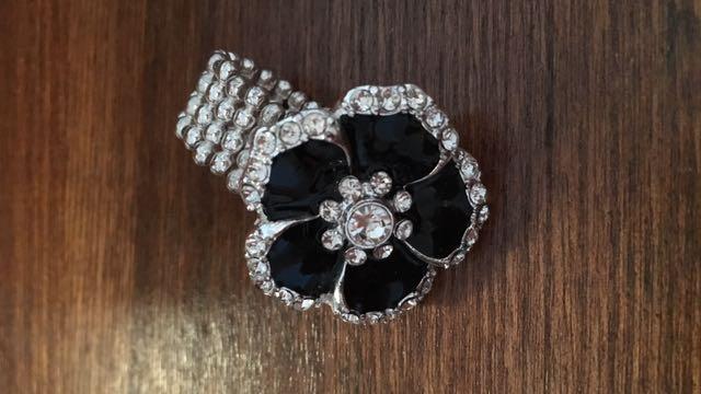 ⚡️ Flower Stretch Ring